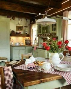 Over the years, many people have found a traditional country kitchen design is just what they desire so they feel more at home in their kitchen. Country Kitchen Farmhouse, Rustic Kitchen, Vintage Kitchen, Kitchen Decor, Vintage Farmhouse, Cozy Kitchen, Green Kitchen, Green Country Kitchen, Red Country Kitchens