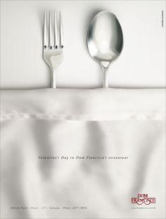 Publicidad de San Valentin // Figura retórica: Prosopopeya; dándole cualidades humanas a objetos que no las tienen.