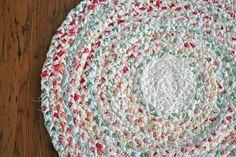 MY FAVORITE DIY RUG!!!  DIY braided rag rug tutorial! So simple!