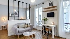 Appartement Paris Marais : un 25 multifonction A 25 multifunction in the Marais very pretty Apartment Living, House Interior, Home Deco, Loft Room, Apartment Design, Room, Home Decor, Home And Living, Studio Living
