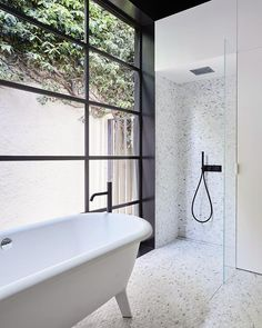// More INGENIOUS Bathroom design from @the_northbourne_effect!! LOOK how…