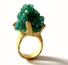 Based in New Zealand, designer German Karl Fritsch creates breathtaking, contemporary jewelry pieces. Stone Jewelry, Jewelry Art, Jewelry Rings, Jewelry Design, Jewlery, Green Mountain, Contemporary Jewellery, Modern Jewelry, Simple Jewelry