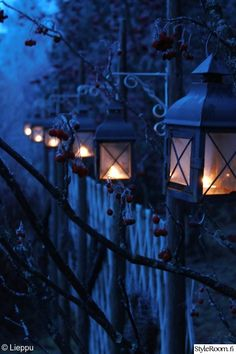 lyhty,syksy,lyhdyt,unelmientalojakoti,hämärä Candle Lanterns, Candles, Garden Nook, Winter Love, Street Lamp, Dream Garden, Glamping, Beautiful Gardens, Lamp Light