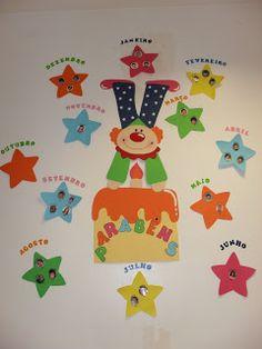 Cartel Cumpleaños Classroom Birthday, Classroom Board, Classroom Decor, Birthday Board, Fish Crafts, Crafts To Make, Crafts For Kids, School Board Decoration, School Decorations