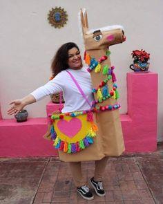 DIY Halloween Llama Costume Tutorial - The Crafty Chica Llama Halloween Costume, Llama Costume, Creative Halloween Costumes, Diy Costumes, Halloween Crafts, Childrens Halloween Costumes, Dress Up Costumes, Diy Crafts For Adults, Diy For Kids