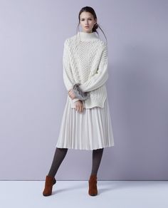 #12 KNIT / ¥34,560 / MACPHEE SKIRT / ¥22,680 / BALLSEY BANGLE / ¥31,320 / ARRON TIGHTS / ¥4,320 / BLEU FORET SHOES / ¥69,120 / PELLICO