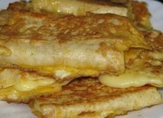 Pita bread with egg and grilled cheese. My ideal breakfast. Ingredients Lavash is a thin sheet of Cheese (I have a Russian and a pair of Yummy Snacks, Yummy Food, Slow Cooker Recipes, Cooking Recipes, Food Porn, Pasta, Russian Recipes, No Cook Meals, Cheese Bread
