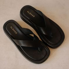 Black Sandals, Product Launch, Early Bird, Leather, Enabling, Color Black, Screen Wallpaper, Footwear, Flat