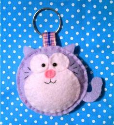felt cat keyring #cat #kitty #kitten #keyring #felt #DIY