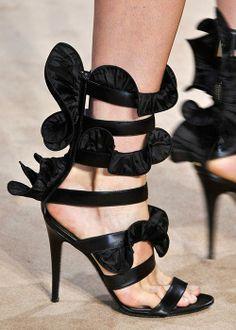 Les 20 plus belles chaussures des défilés printemps-été 2014 (Emanuel Ungaro) Photo Imaxtree | Elle Québec