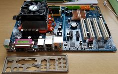Gigabyte GA-M56S-S3 motherboard AMD Athlon 64 X2 2.6Ghz Dual Core Kingston 2GB R