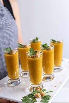 Set the table for joy this season with this spiced right Organic Curried Butternut Squash Soup Shooters from Simply Organic. #OrganicMoments