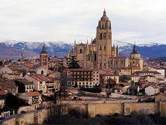 Segovia, muralla y Catedral