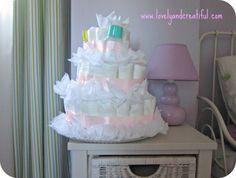 Tarta de pañales. Puedes ver el tutorial sobre cómo hacerla en www.lovelyandcreatiful.com