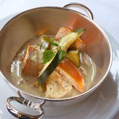 Découvrez la recette Blanquette de saumon, moutarde à l'ancienne sur cuisineactuelle.fr.