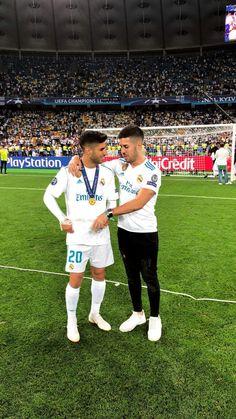 Real Madrid Players, Real Madrid Football, Football Soccer, Equipe Real Madrid, Isco, Uefa Champions League, Soccer Players, Cristiano Ronaldo, Future Husband