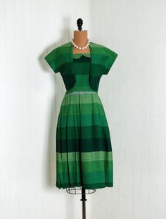 1940's Betty Barclay emerald green dress