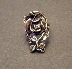 Old fashioned rose pin