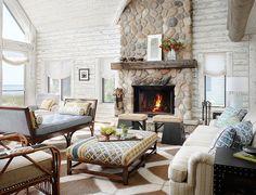 Magical White Cabin Interior Design by the Lake Modern House Design, Cabin Decor, Fireplace Design, House Interior, Rustic Living Room, Log Cabin Interior, Great Rooms, Rustic Family Room, Cabin Interior Design