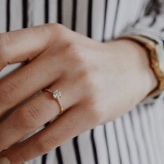 A Saturday dose of Stripes and #ChampagneDiamonds in this lovely regram of the… Promise Rings Informations sur notre site http://storelatina.com/ #Nişan #Bagues #Koom