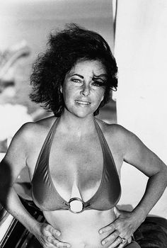 Elizabeth Taylor | Click to see fullsize
