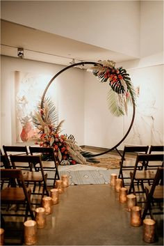 How To Have A Warm And Cozy Modern Tropical Wedding - wedding inspiration! - How To Have A Warm And Cozy Modern Tropical Wedding - wedding inspiration! Tropical Wedding Decor, Tropical Home Decor, Modern Tropical, Tropical Weddings, Tropical Interior, Tropical Colors, Wedding Wreaths, Wedding Ceremony Decorations, Wedding Themes