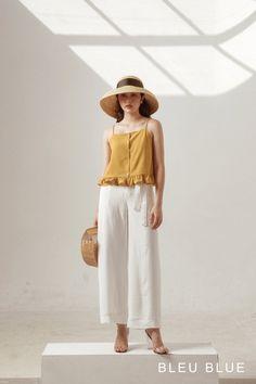 Fashion Tips Bags .Fashion Tips Bags Fashion Line, 80s Fashion, Daily Fashion, Korean Fashion, Fashion Brands, Fashion Outfits, Fashion Tips For Women, Ladies Fashion, Simplicity Fashion