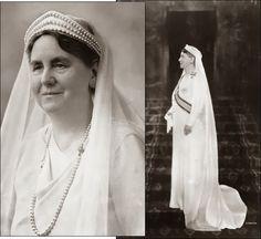 Wilhelmina in witte rouw na het overlijden van prins Hendrik. Prachtige parels!