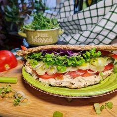Szendvics Salmon Burgers, Avocado Toast, Pesto, Sandwiches, Vegan, Breakfast, Ethnic Recipes, Food, Morning Coffee