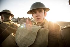 Trailers, clips, featurettes, images and posters for the historical drama JOURNEY'S END starring Asa Butterfield, Sam Claflin and Paul Bettany. Paul Bettany, Sam Claflin, 2018 Movies, Top Movies, Oscar Films, Fantasy Posters, Asa Butterfield, Journey's End, The Best Films
