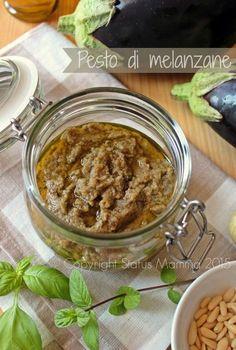 Pesto di melanzane ricetta condimento semplice veloce con basilico formaggio per crostini, antipasti o primo. ricetta cucinare foto blog tutorial Giallozafferano Statusmamma