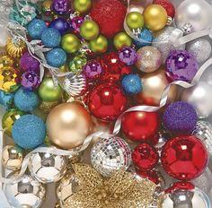 são diversos modelos e tamanhos de bolas para enfeitar a sua árvore