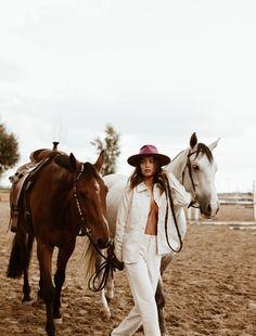 Western Photography, Photography Women, Bold Fashion, Fashion Photo, Cowboy Chic, Pink Hat, Warrior Princess, Fashion Poses, Horse Girl