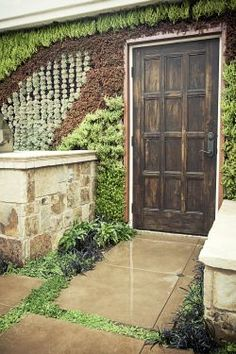 Living Wall - Contemporary meets Old World