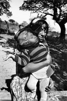 Velo negro para el viento / Juchitán, México, 1988 Graciela Iturbide