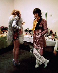 Credit: JB/Jim Marshall Photography LLC Rose Taylor, wife of guitarist Mick Taylor, in conversation with Mick Jagger at the Forum in Los Angeles. Rose Taylor, Taylor S, Glam Rock, 60s Rock, Hard Rock, Rock And Roll, 70s Fashion, Vintage Fashion, Style Retro