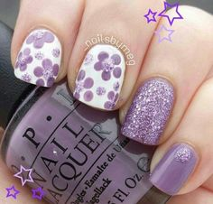 5 Gorgeous Gel Nail Designs With Flowers for 2019 : Check them out! Are you looking for a lovely Gel Nail Designs with Flowers for your long claws? You should take a look at the collection where we have got some unavoidable Gel Nail Designs With Flowers. Fantastic Nails, Fabulous Nails, Gorgeous Nails, Fancy Nails, Diy Nails, Cute Nails, Pretty Nails, Gel Nagel Design, Nail Polish