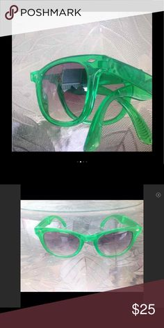 Wayfarer  style green sunglasses Unbranded-similar to rayban green wayfarer style foldable sunglasses great Preowned condition No case Accessories Sunglasses