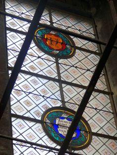 Vitrais do segundo andar - Subindo na Tour Saint-Jacques e vendo Paris de um novo ângulo - http://diretodeparis.com/subindo-na-tour-saint-jacques-e-vendo-paris-de-um-novo-angulo/