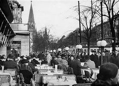 Gäste im Cafe Kranzler, Kurfürstendamm Berlin im Februar 1937