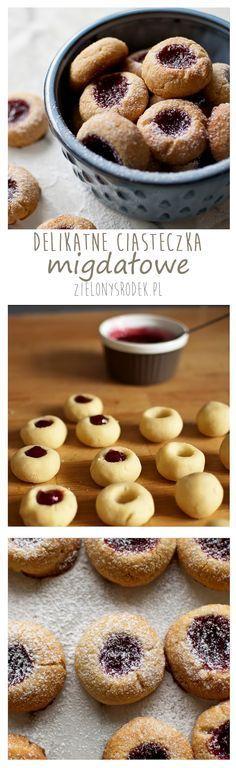 delikatne ciasteczka migdałowe z dżemem malinowym Cookie Desserts, Cookie Recipes, Dessert Recipes, Muffins, Good Food, Yummy Food, Gateaux Cake, Polish Recipes, Polish Food