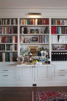 20 Stirring Ideas for Creating a Stunning Home Bar — The Entertaining House - Leslie Andretti Bookshelf Bar, Bookshelves Built In, Bookcases, Bookshelf Ideas, Bar Shelves, Bookshelf Speakers, Shelving, Diy Home Bar, Bars For Home