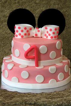 Minnie Mouse Cake. www.lauraloucakes.com