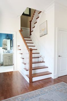 Are you looking for ideas on updating your staircase and painting the stained risers white? Here's your guide to prepping, choosing the right paint, and painting stained stair risers. White Stair Risers, White Staircase, House Staircase, Wood Staircase, Stairs White And Wood, Staircase Painting, Painted Stair Risers, Painted Staircases, Stained Staircase