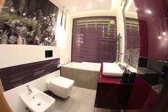 Meble łazienkowe w fioletach i bordo wykonane na zamówienie - Mobiliani