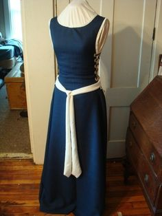 Renaissance Dress. $90.00, via Etsy. - love the simple style.