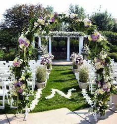 Hochzeitsdeko mit Blumenschmuck - coole Hochzeitsdekoration