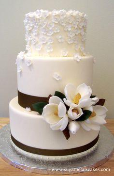 White Magnolia cake by Sugar Petals, http://www.sugarpetalscakes.com