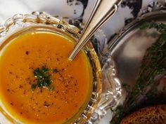 Rozgrzewająca zupa dyniowo-soczewicowa  http://blog.tmch.pl/zupa-dyniowo-soczewicowa,3