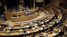 PACA : la gauche inquiète pour l'accès des jeunes à la culture, Estrosi se justifie